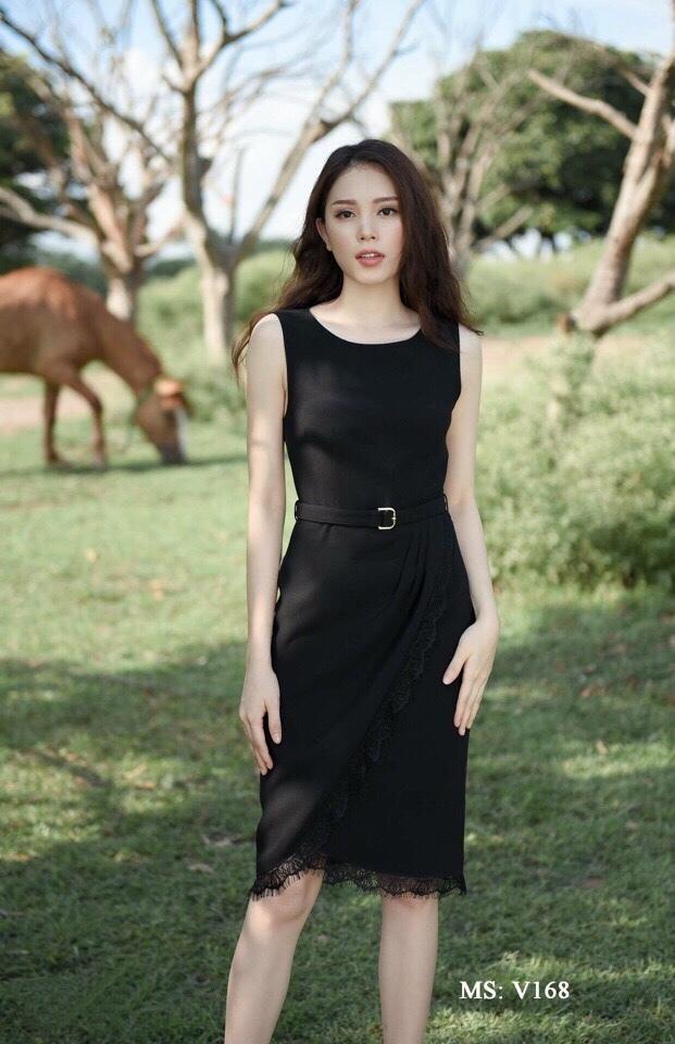 Đầm công sở phối ren tà đắp kèm belt màu đen