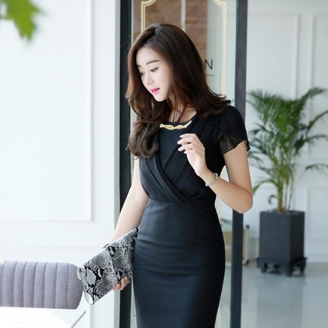 Đầm đen giả vest kết vòng cổ đính hạt cao cấp - đầm công sở tay dài