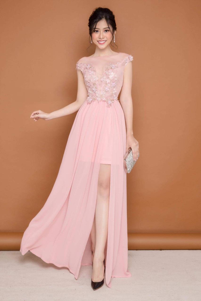 Đầm maxi phối lưới ngực thiết kế kết hoa hồng cao cấp màu hồng dâu