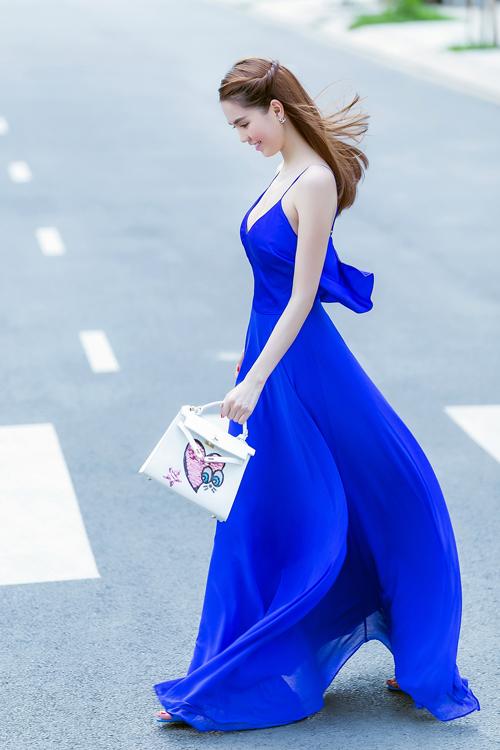 Đầm maxi xanh 2 dây đẹp như ngọc trinh - đầm maxi đi biển