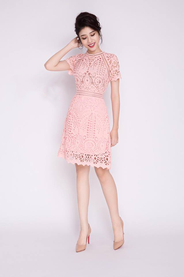 Đầm ren chữ A màu hồng dễ thương  - đầm ren xòe