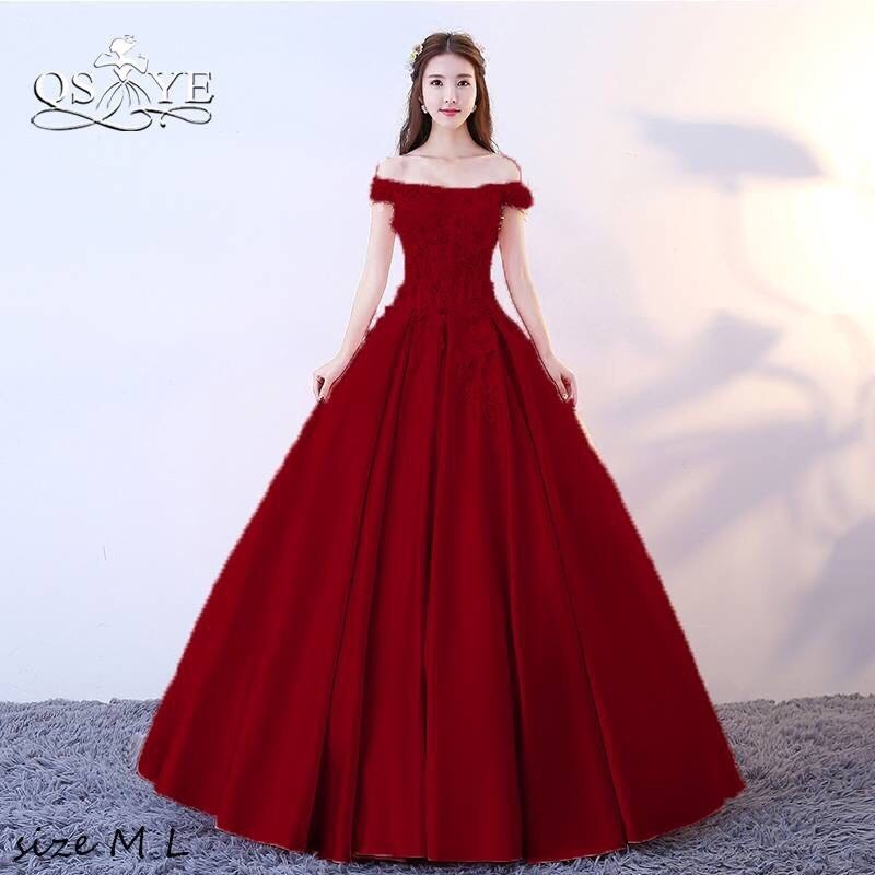 Đầm cưới thiết kế trễ vai đính hoa kết hạt tuyệt đẹp