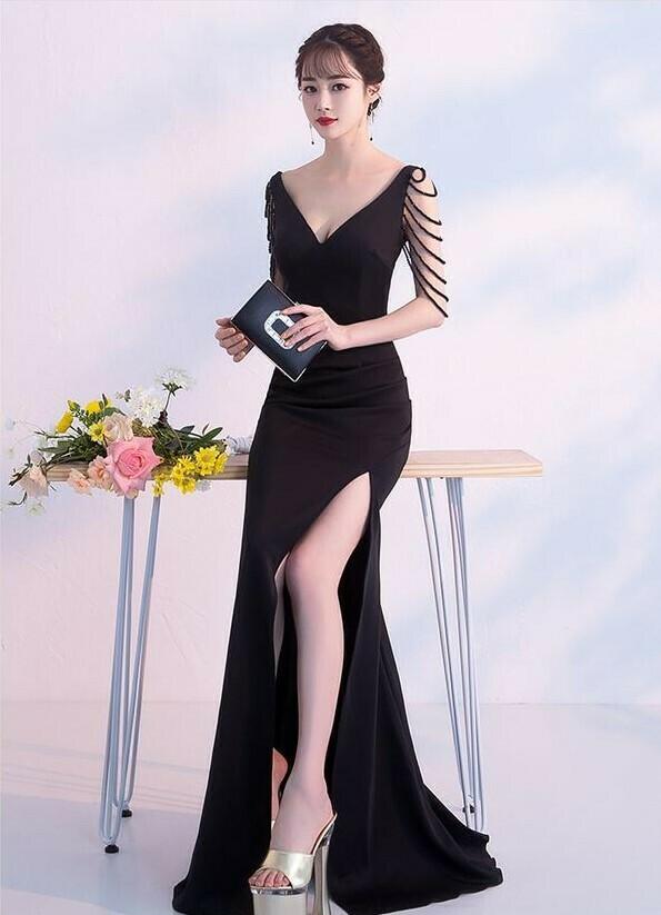 Đầm dạ hội dài cổ tim thiết kế ngọc tua rua sang trọng Đầm dạ hội đẹp sang trọng
