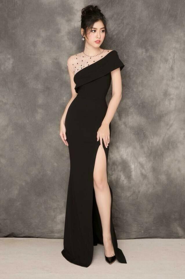 Đầm dạ hội đính ngọc xéo vai xẻ đùi cực quyến rũ