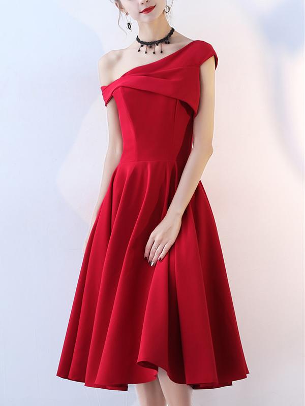 Đầm xòe dự tiệc cách điệu lệch vai cực kỳ xinh đẹp màu đỏ