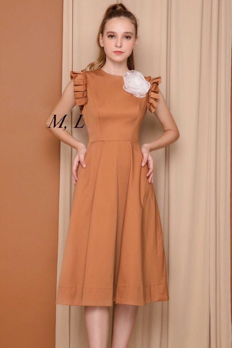 Đầm xòe kiểu dáng đơn giản đính bông xinh xắn